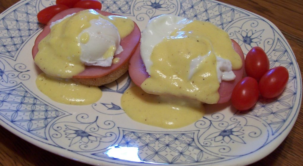 Classic Eggs Benedict With Hollandiase Sauce | Vintage Cooking