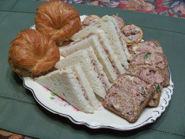 chopped ham tea sandwiches