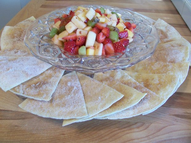 fruit salsa with homemade cinnamon chips