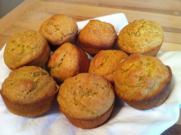 Easy Pumpkin Muffins With Sugar Topping | Vintage Cooking