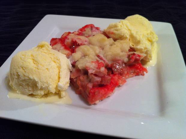 strawberry rhubarb dessert