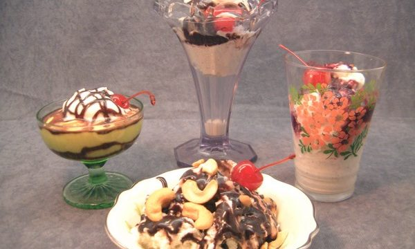 Make Your Next Party an Ice Cream Sundae Party!